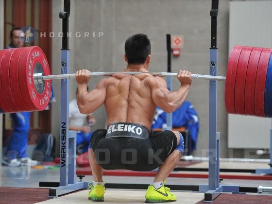 lu-xiaojun-squat-260